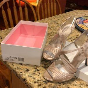 Lulu Townsend LT ivory satin dressy sandals